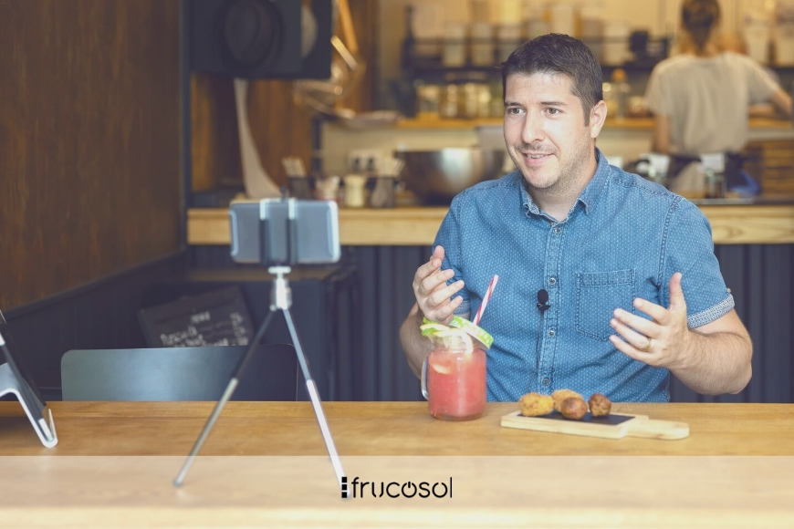 Apply local marketing and attract diners.